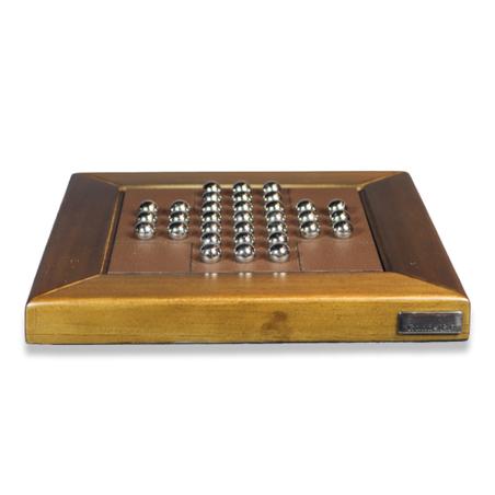 Jogo Resta Um em madeira NogueIRA E RECOURO CAFÉ 23x23x3,5