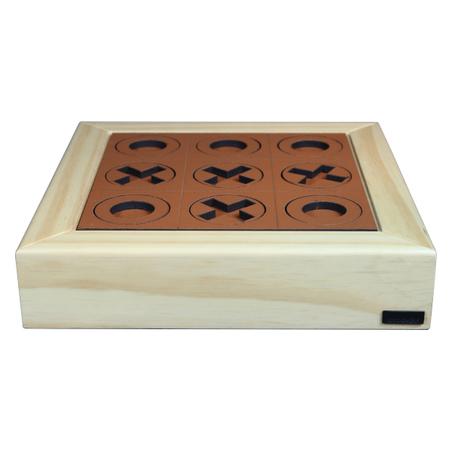 jogo da velha em madeira natural recouro caramelo 32x32x7cm