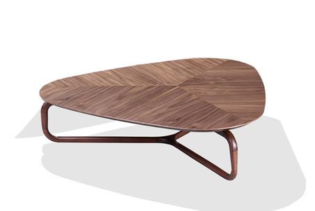 mesa de centro eros triangular 110x104x27cm