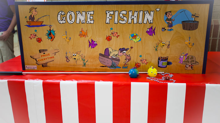 Image of a Gone Fishin' : Carnival Game