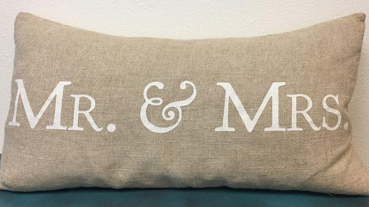 Mr /& Mrs Pillow