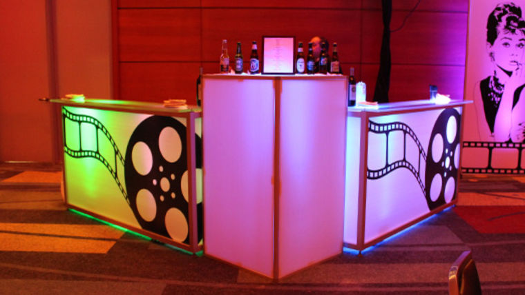 hollywood theme party bar