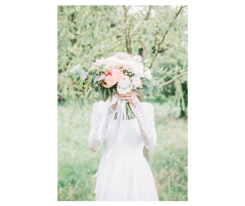 wedding trends 2018. boho bride. wedding dress. The Event Cottage. Goodshuffle.