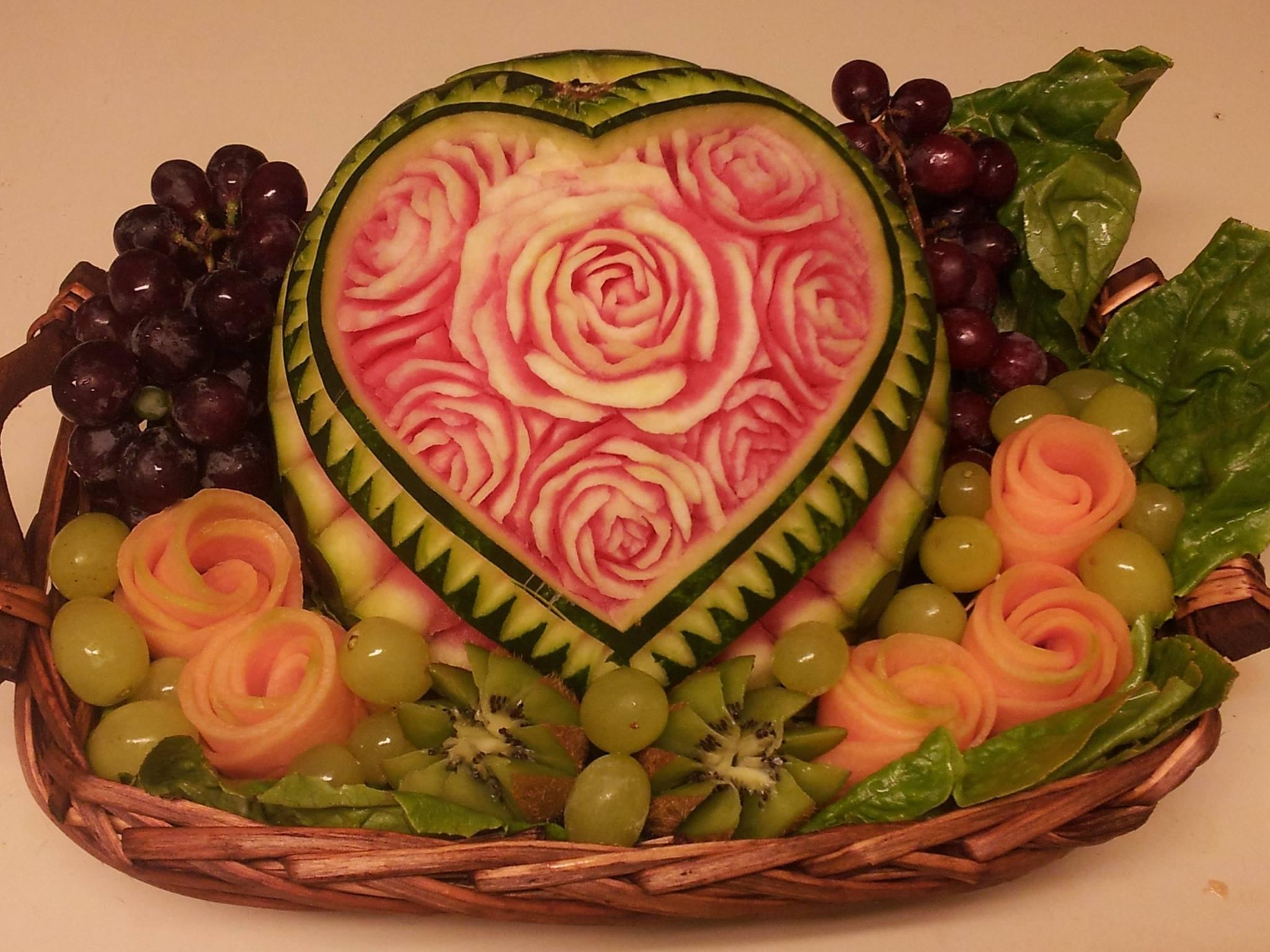 Creative fruit carving go simcha