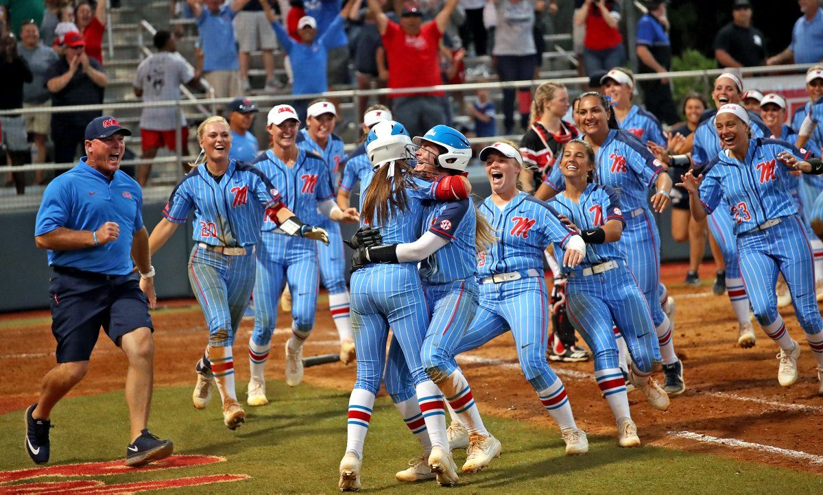 Ole Miss advances to Super Regional with walk-off win over Louisiana