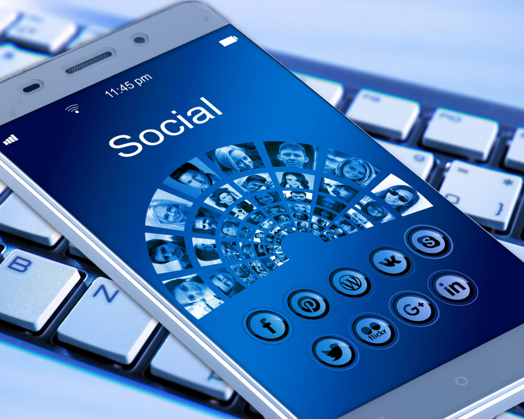 Why Business Owners Should Target Social Media Sales This 2020