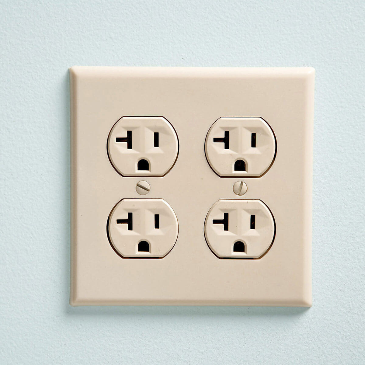 Which is the Correct (and Incorrect) Way to Install an Electrical Outlet?