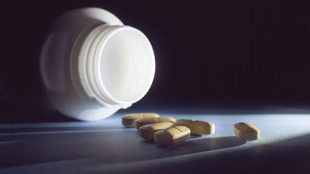 A Step Toward Non-addictive Painkillers?