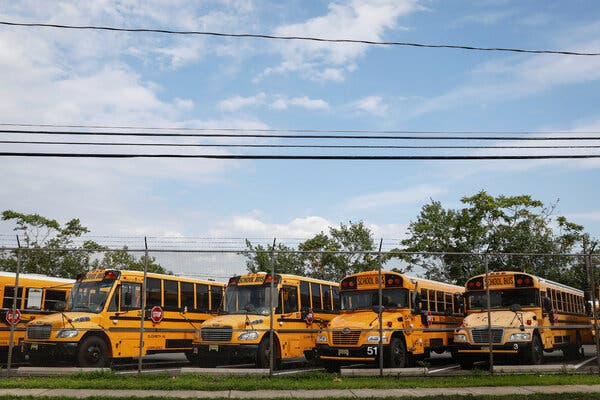 Schools Were Set to Reopen. Then the Teachers' Union Stepped In.