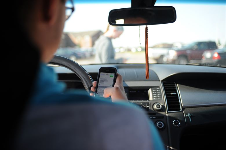 Poma: Banning Handheld Devices While Driving Is Common Sense – The Daily Utah Chronicle