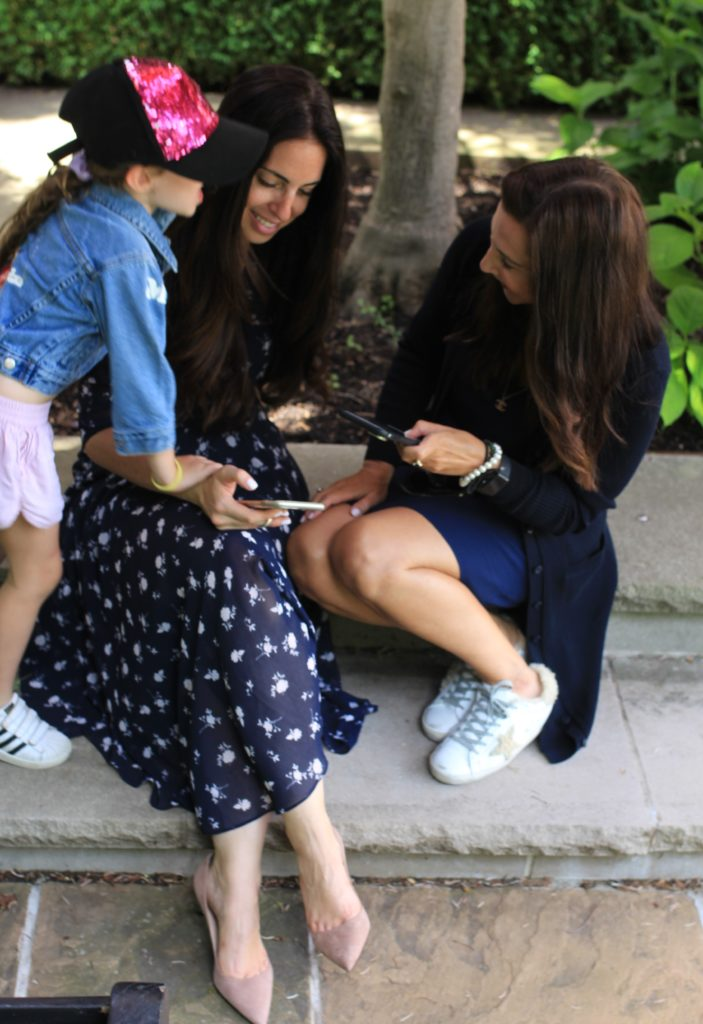 Teaching Kids to Stop Interrupting - Parenting with Savvy Sassy Moms