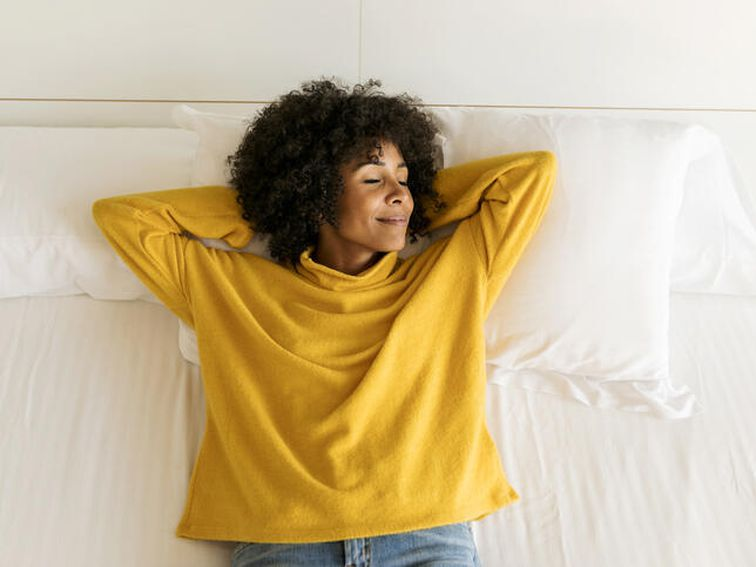 A sleep scientist says this is the best sleeping position