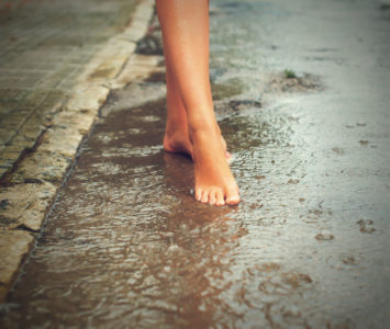 5 Everyday Habits That Are Bad For Your Feet