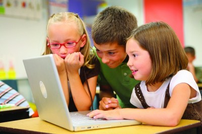 8 ways technology is revolutionizing education (with examples) - Ditch That Textbook
