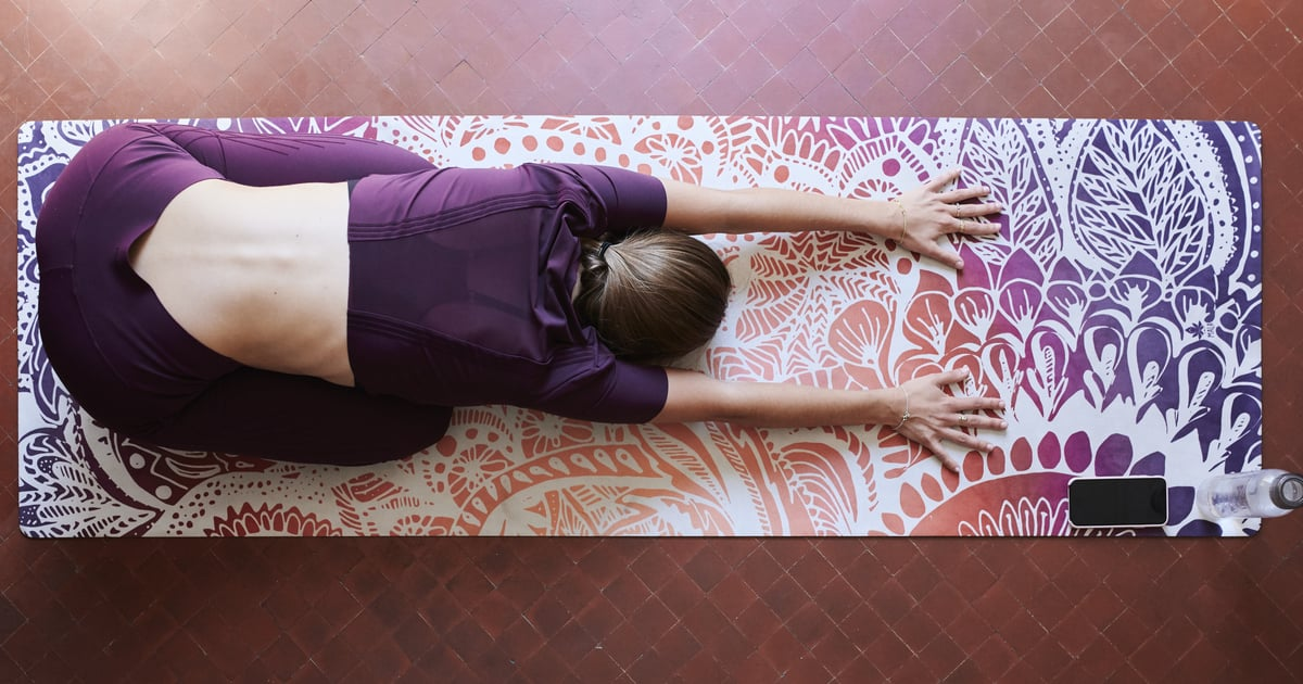 A Grounding, Relaxing Kundalini Yoga Flow to Put Your Mind at Ease