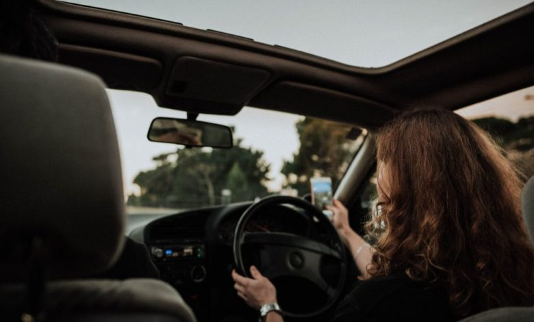 The cost of distracted driving - Lowvelder
