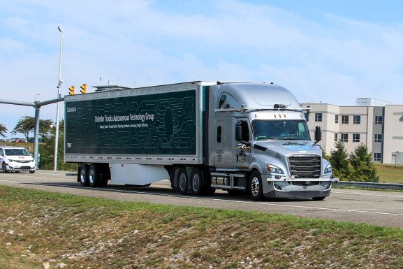 Daimler brings driverless truck tests to public roads in Virginia