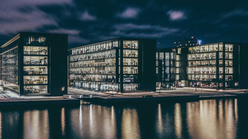 Powering up: tackling energy efficiency in the commercial office sector