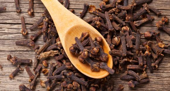 From Acupuncture to Cloves: Here are 7 natural pain killers to reduce aches