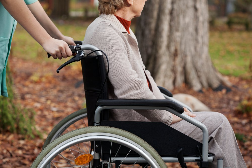 Are People with Spinal Cord Injuries Fragile?