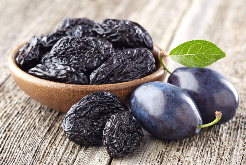 Prunes Make You Poop and Help with Weight Loss - Superfood