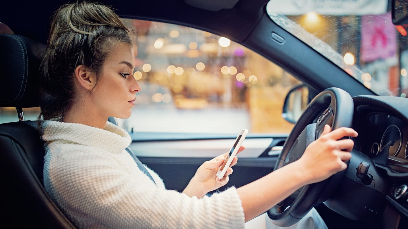 Texting and driving in Florida: Details on fines, violations, golf carts, things NOT to do