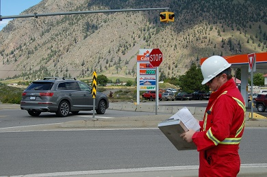 RCMP in British Columbia - South Okanagan Traffic Services uses disguises to catch distracted drivers