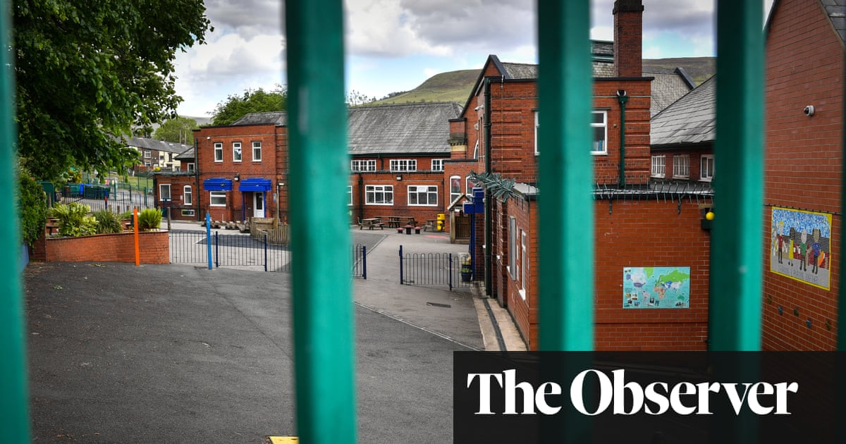 Poll reveals half of parents unconvinced that school is safe for their children's return