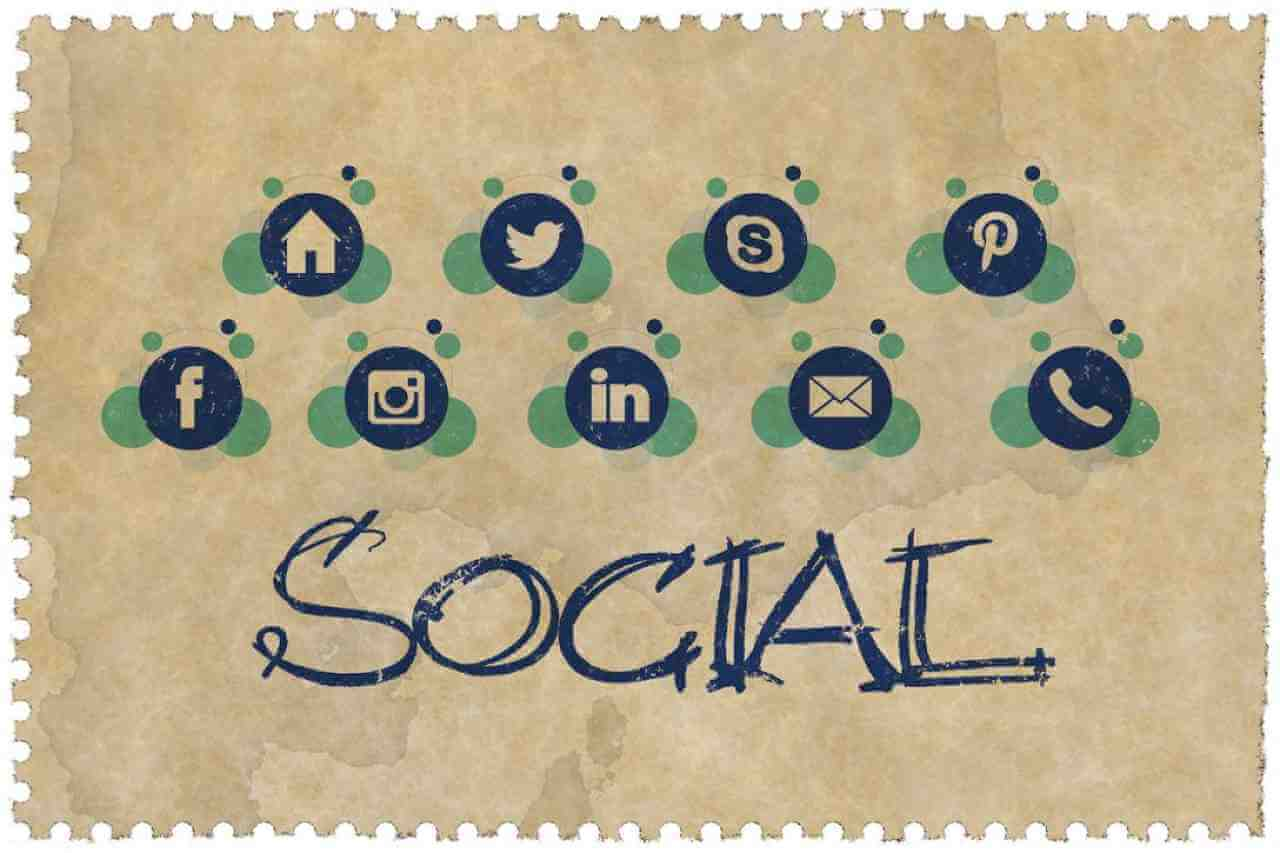 How to Use Social Media for Small Business: 10 Effective Tips