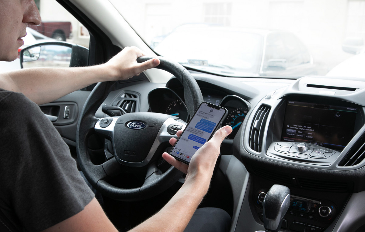 Virginia renews its push to ban cell phones while driving