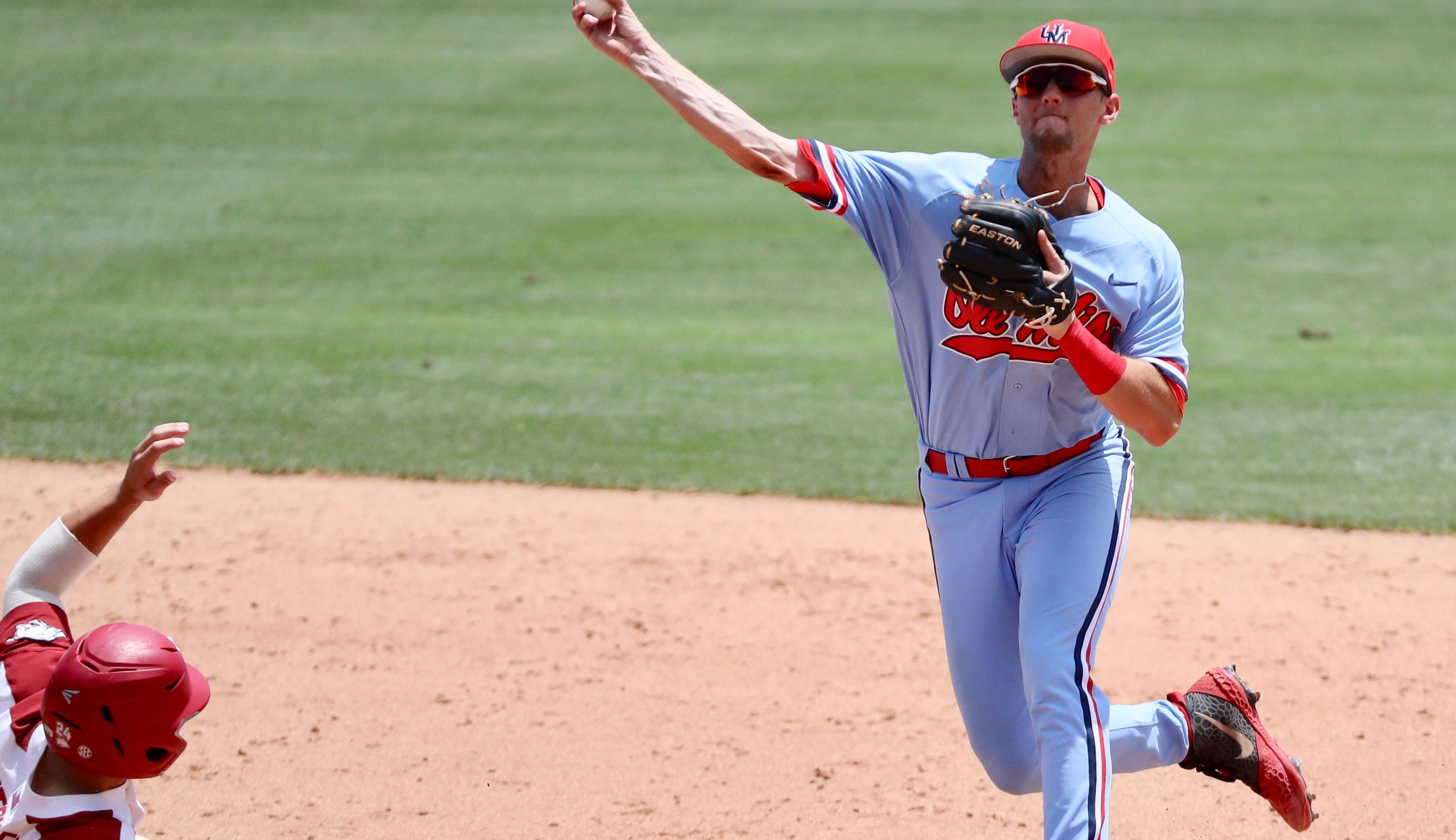 Arkansas batters blitz Ole Miss, Rebels on brink of elimination after 11-2 loss in Super Regional