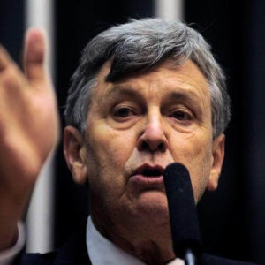 Luiz Carlos Heinze - Pré candidato a governador do Rio Grande do Sul pelo PP - Eleições 2018 - Gazeta do Povo