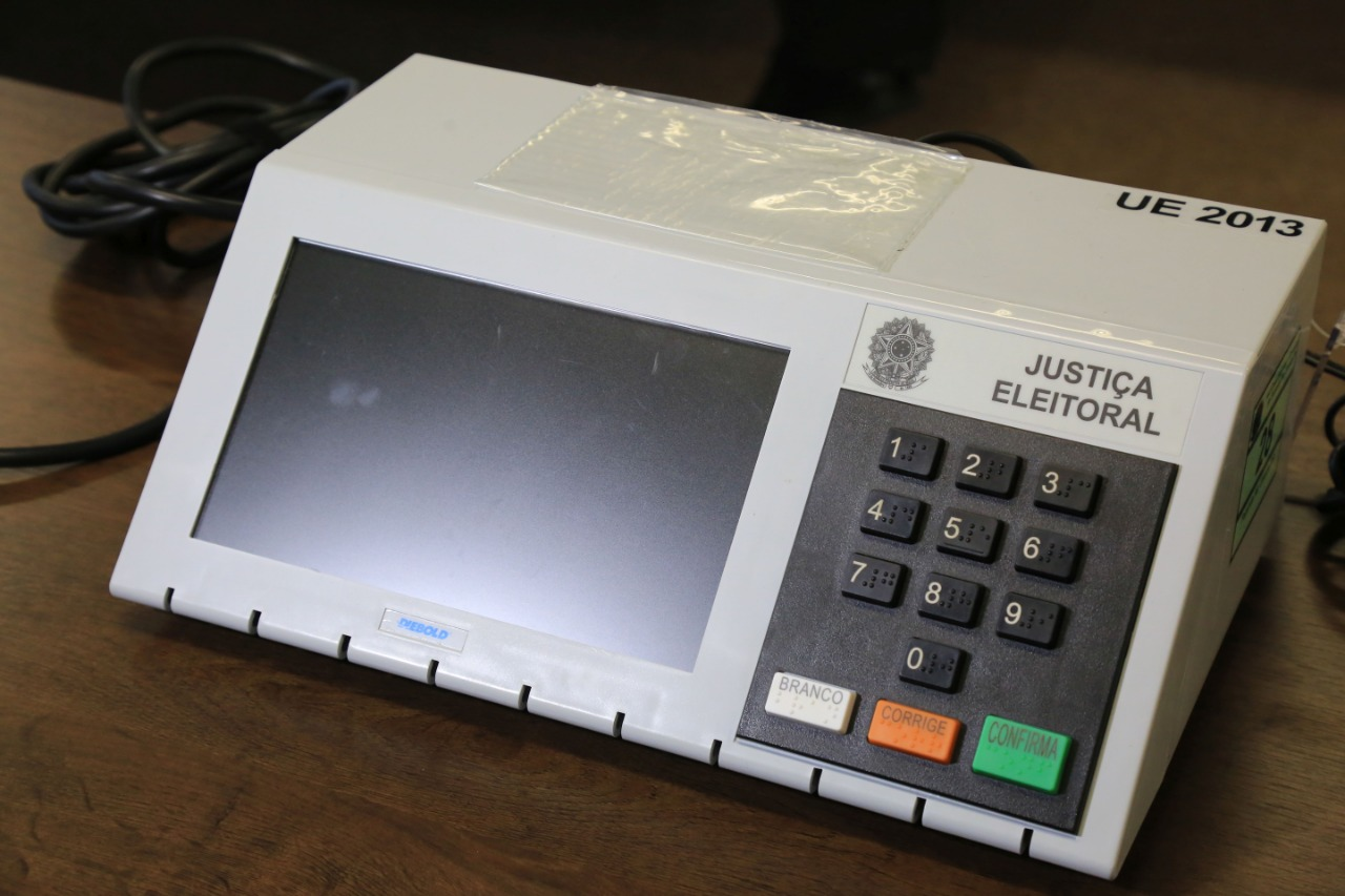 Mesária é detida após espalhar informação falsa sobre fraude em urnas