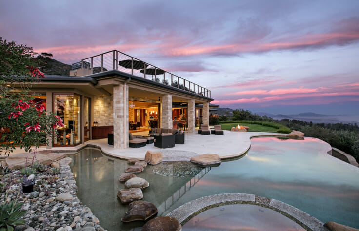 Allen Construction builds modern indoor-outdoor paradise