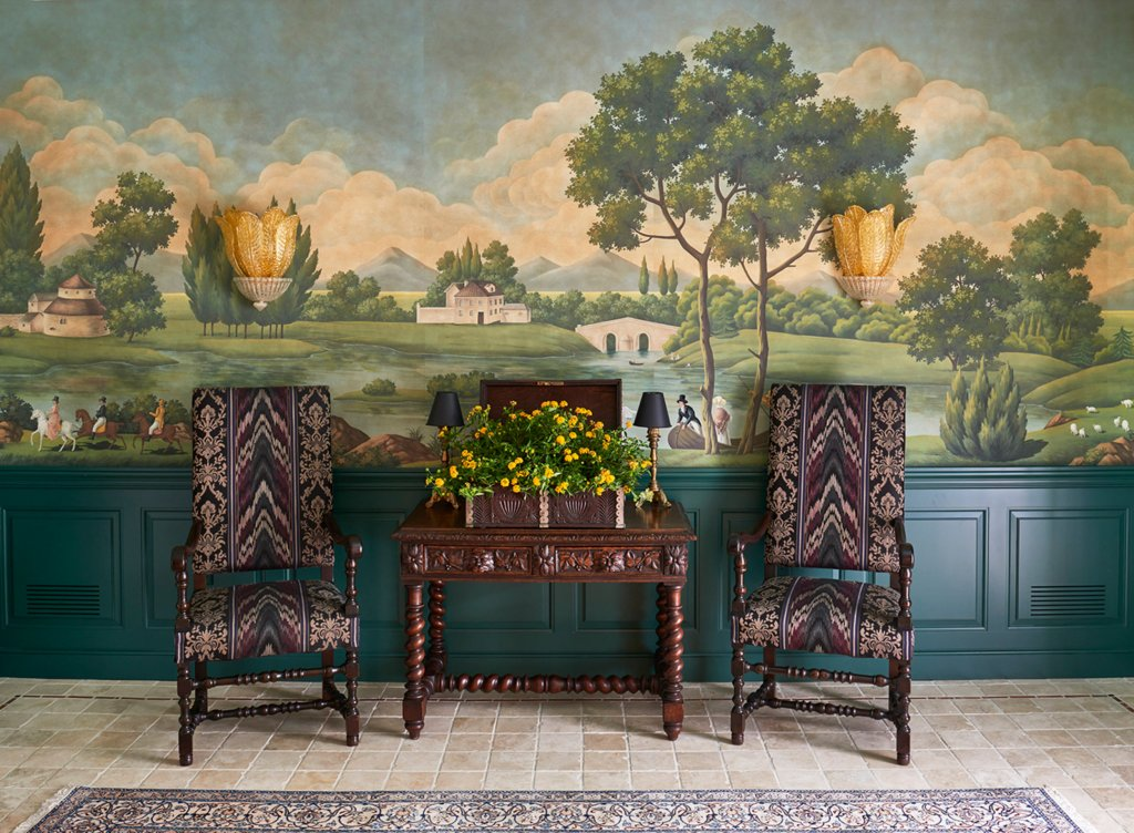 Exquisite handpainted wallpapers
