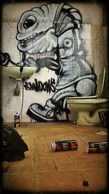 Street Art Par 5hadows - Hanoi (Viet Nam)