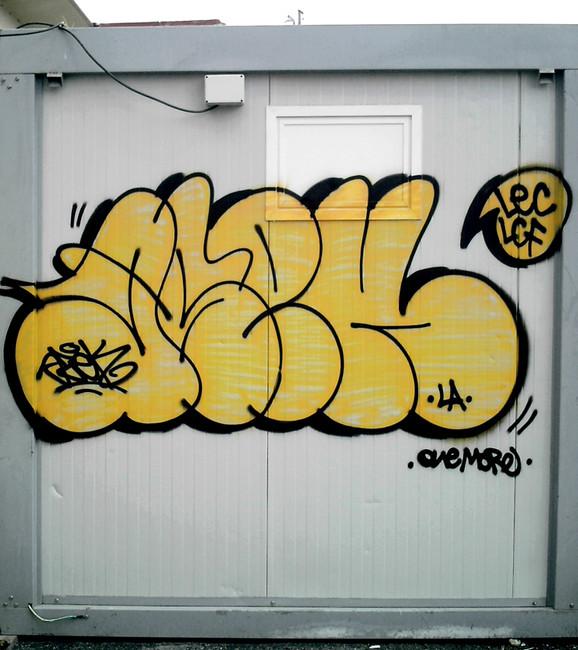 Throw Ups Par Azek - Toulouse (France)