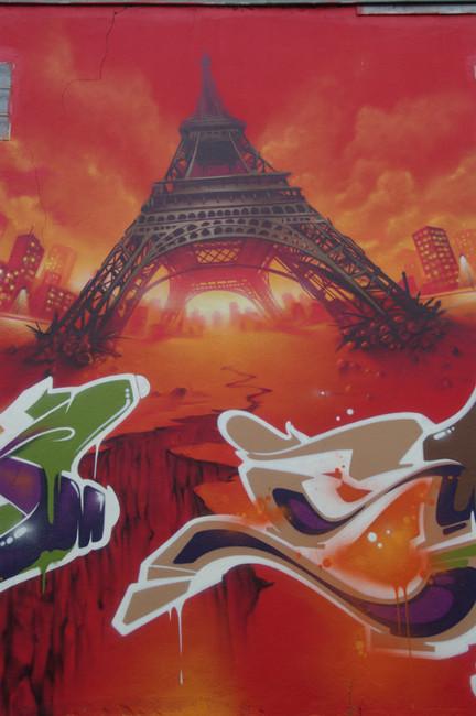 Big Walls By Shadow - Bondy (France)