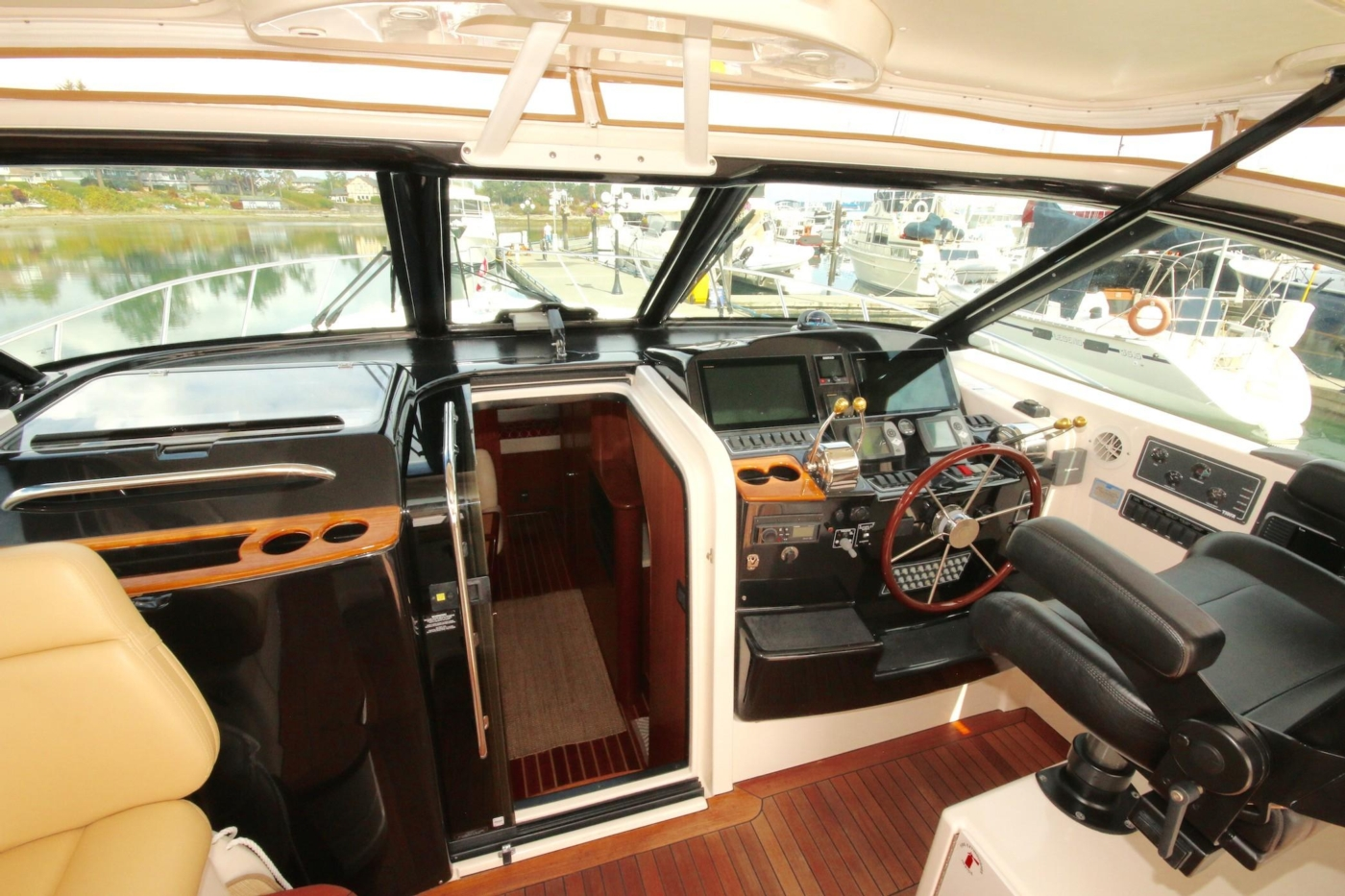 2007 Tiara 4200 Open, helm and companionway