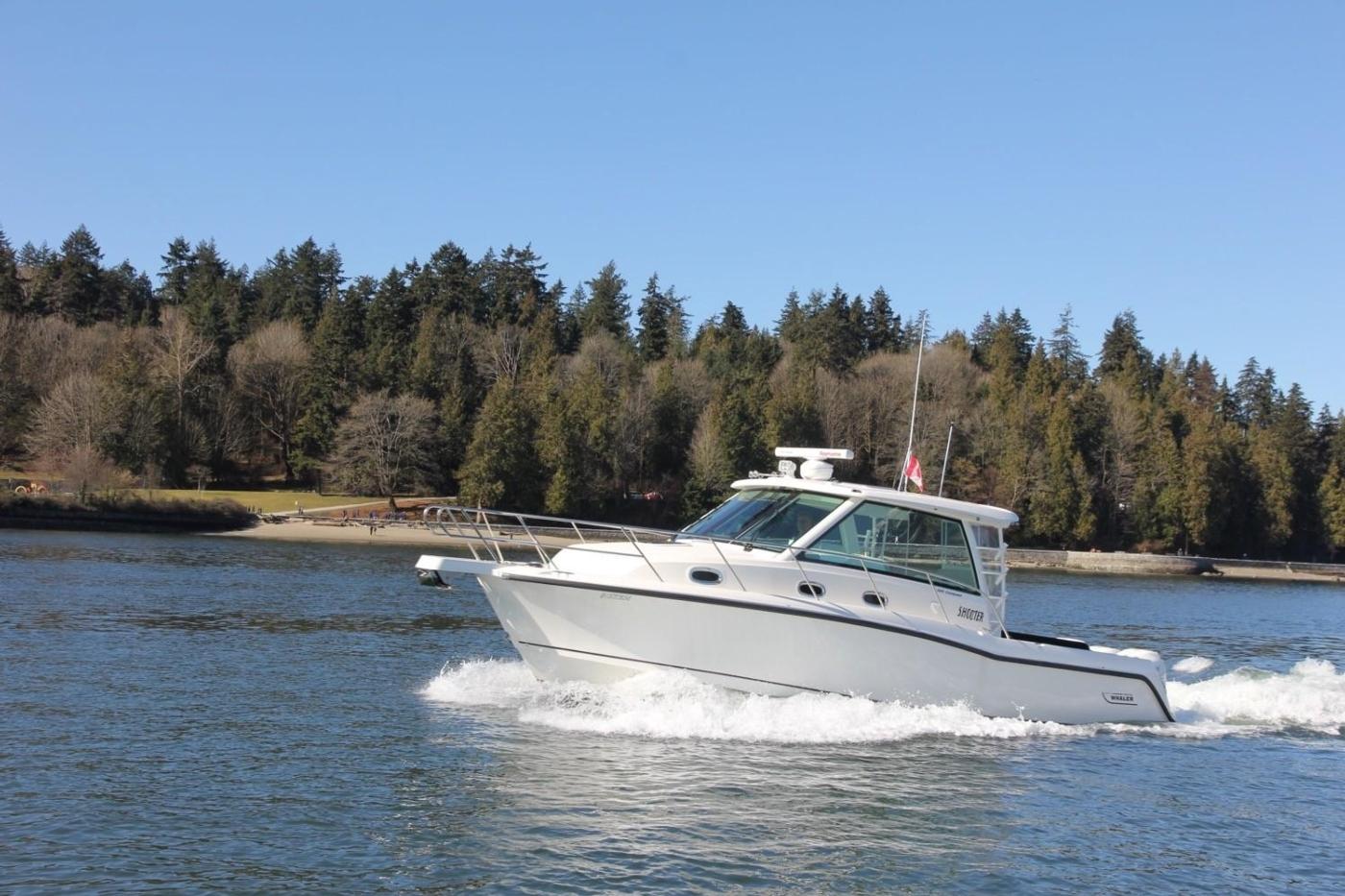 2017 Boston Whaler 345 Conquest, Port View Underway
