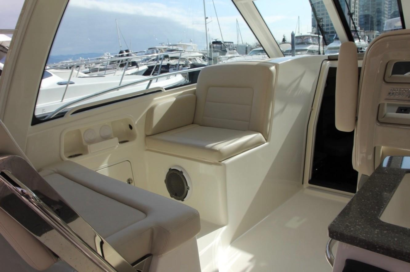 2017 Boston Whaler 345 Conquest, Forward and Aft Seating