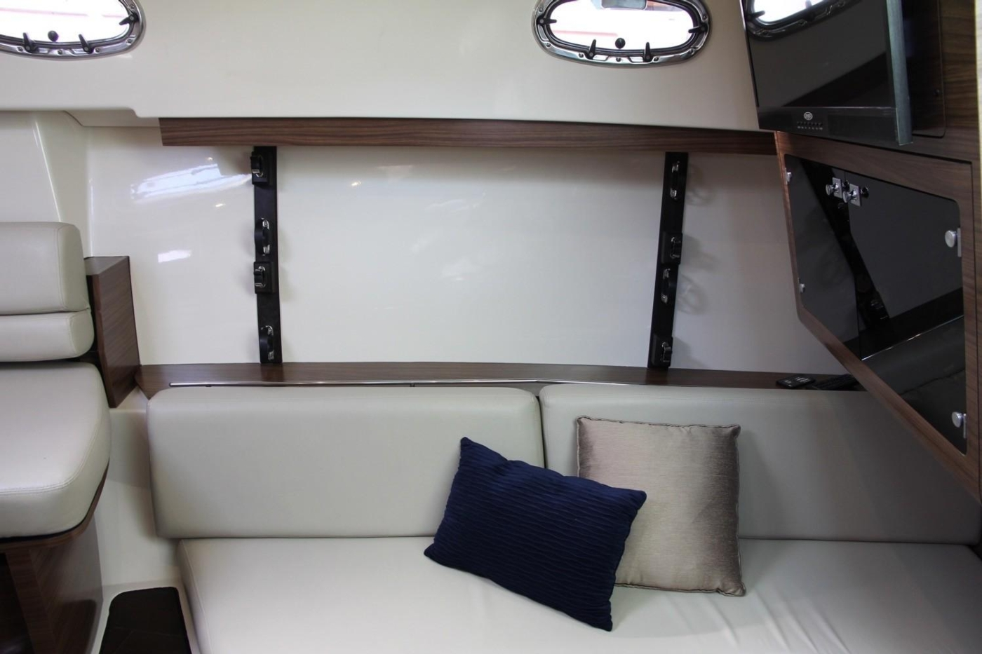 2017 Boston Whaler 345 Conquest, Starboard Settee