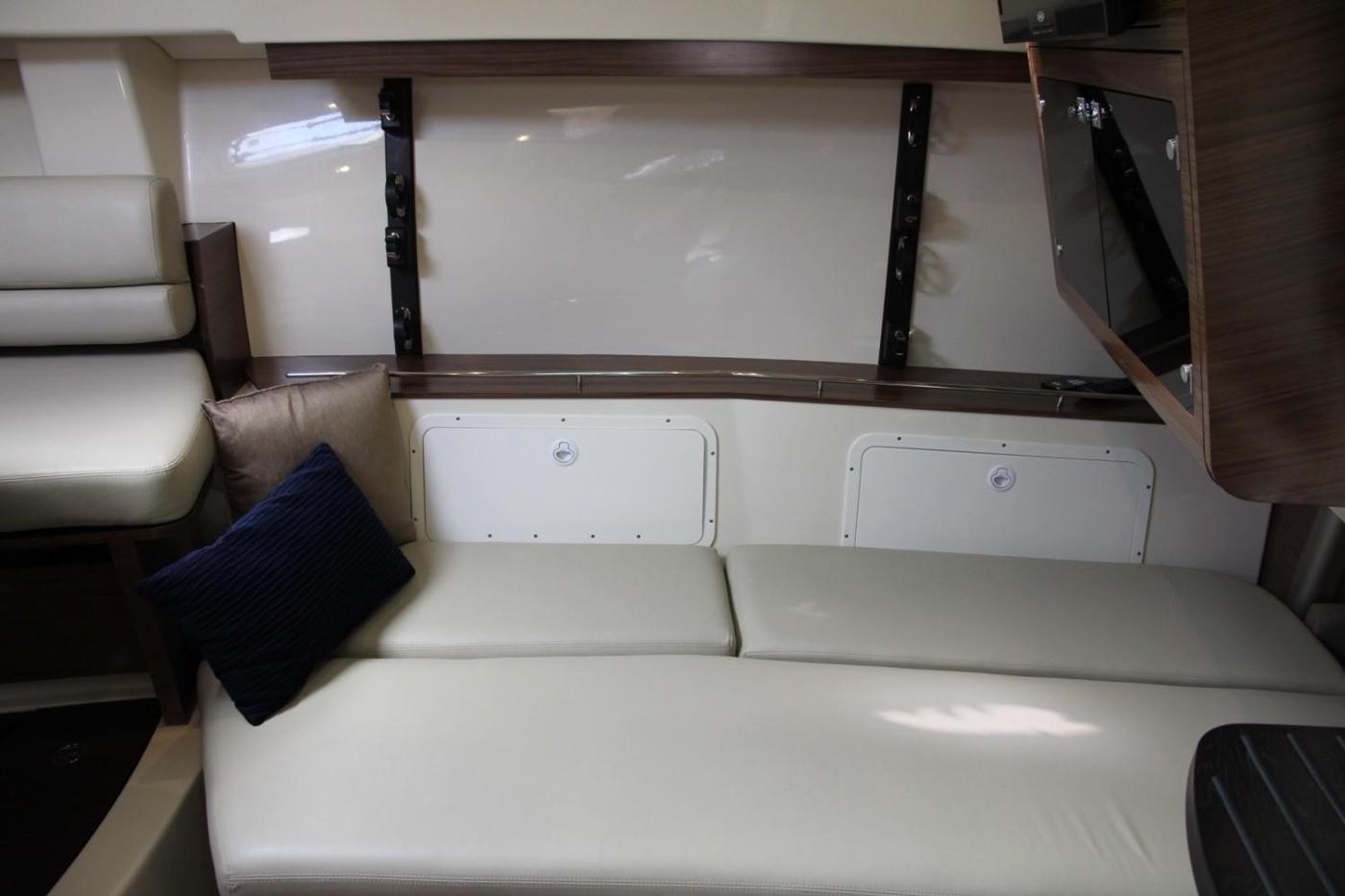 2017 Boston Whaler 345 Conquest, Starboard Settee Berth