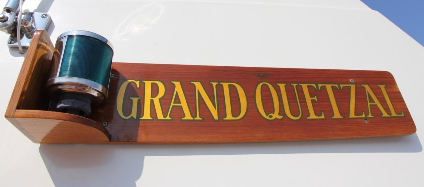 1995 Grand Banks Classic, Nameboard