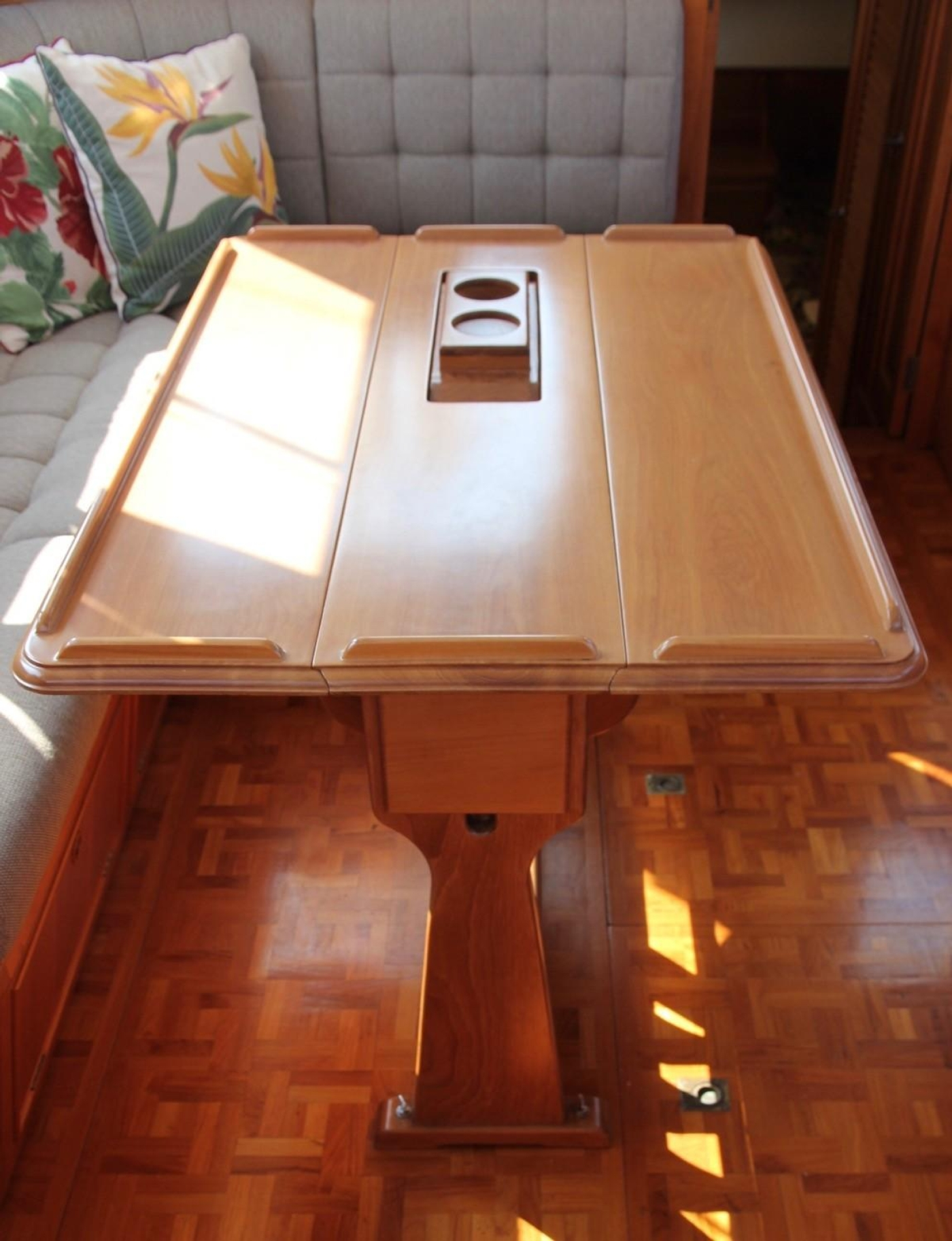 1995 Grand Banks Classic, Folding Yacht Table