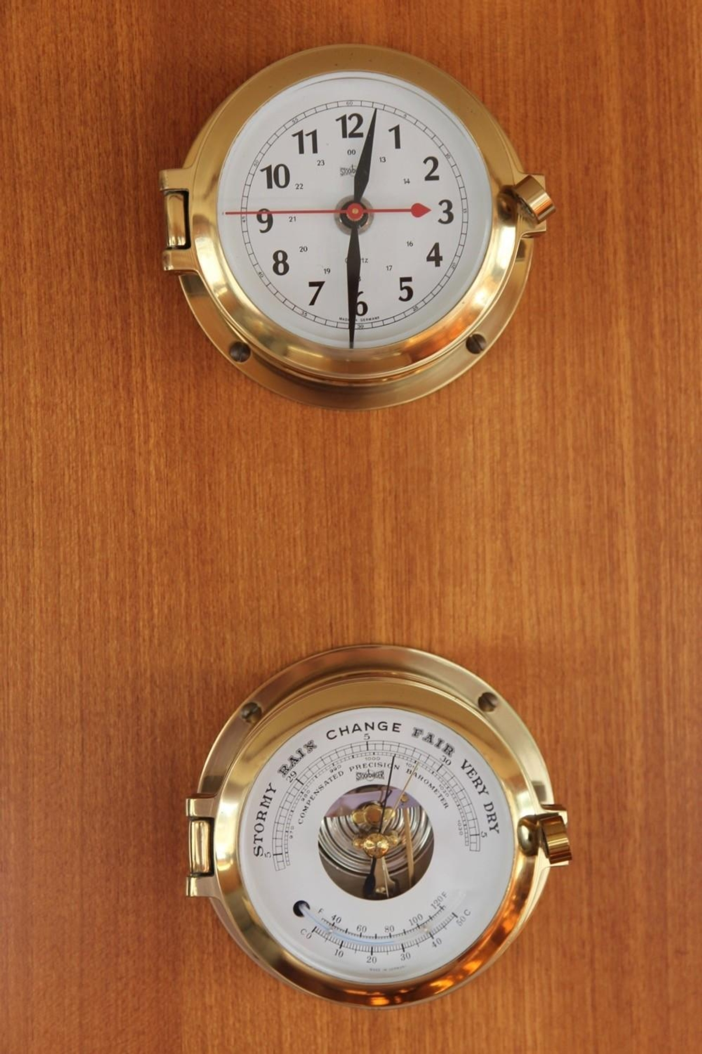 1995 Grand Banks Classic, Clock and Barometer