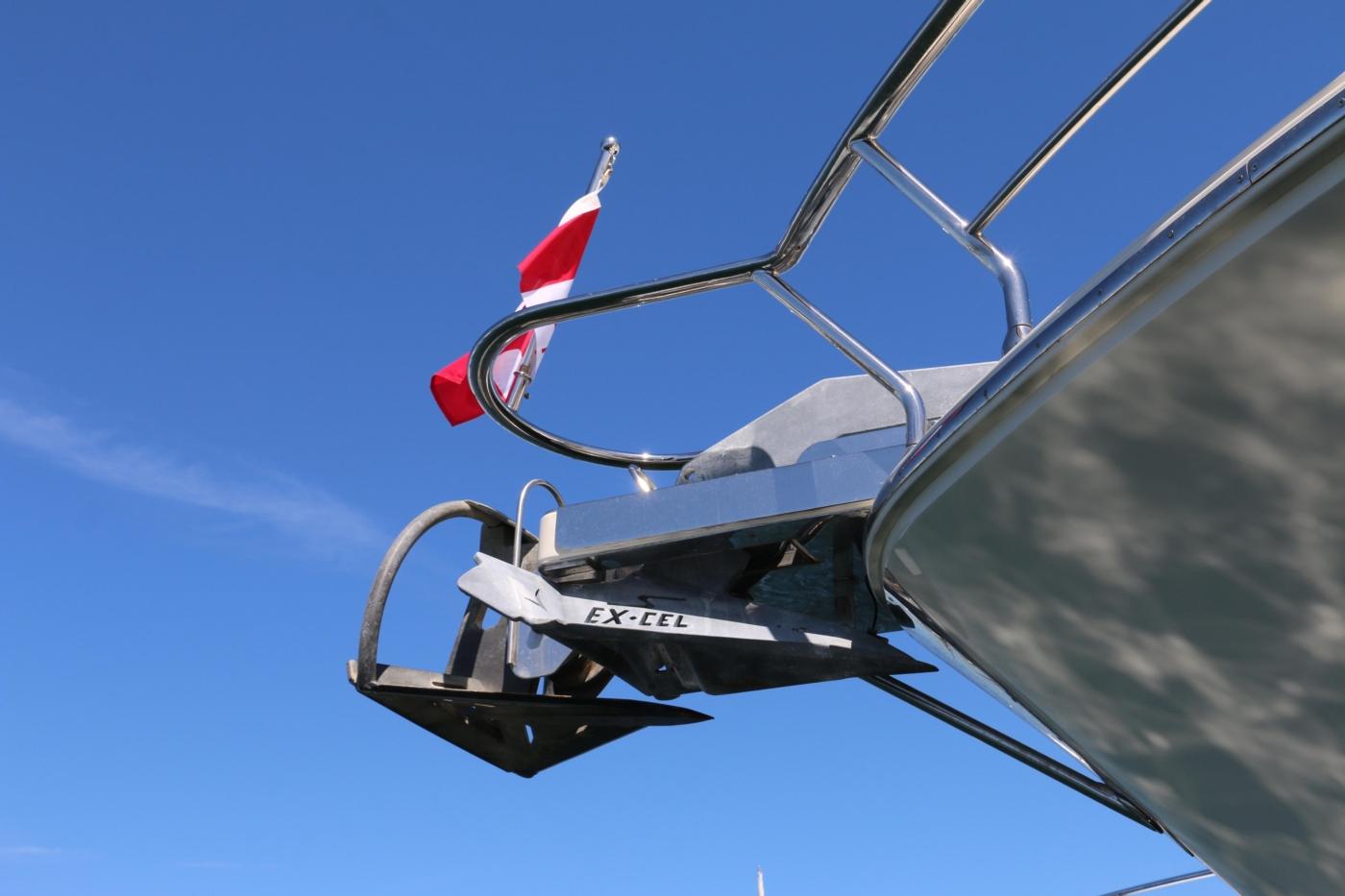 2011 Hampton 75 Endurance LRC, Anchors
