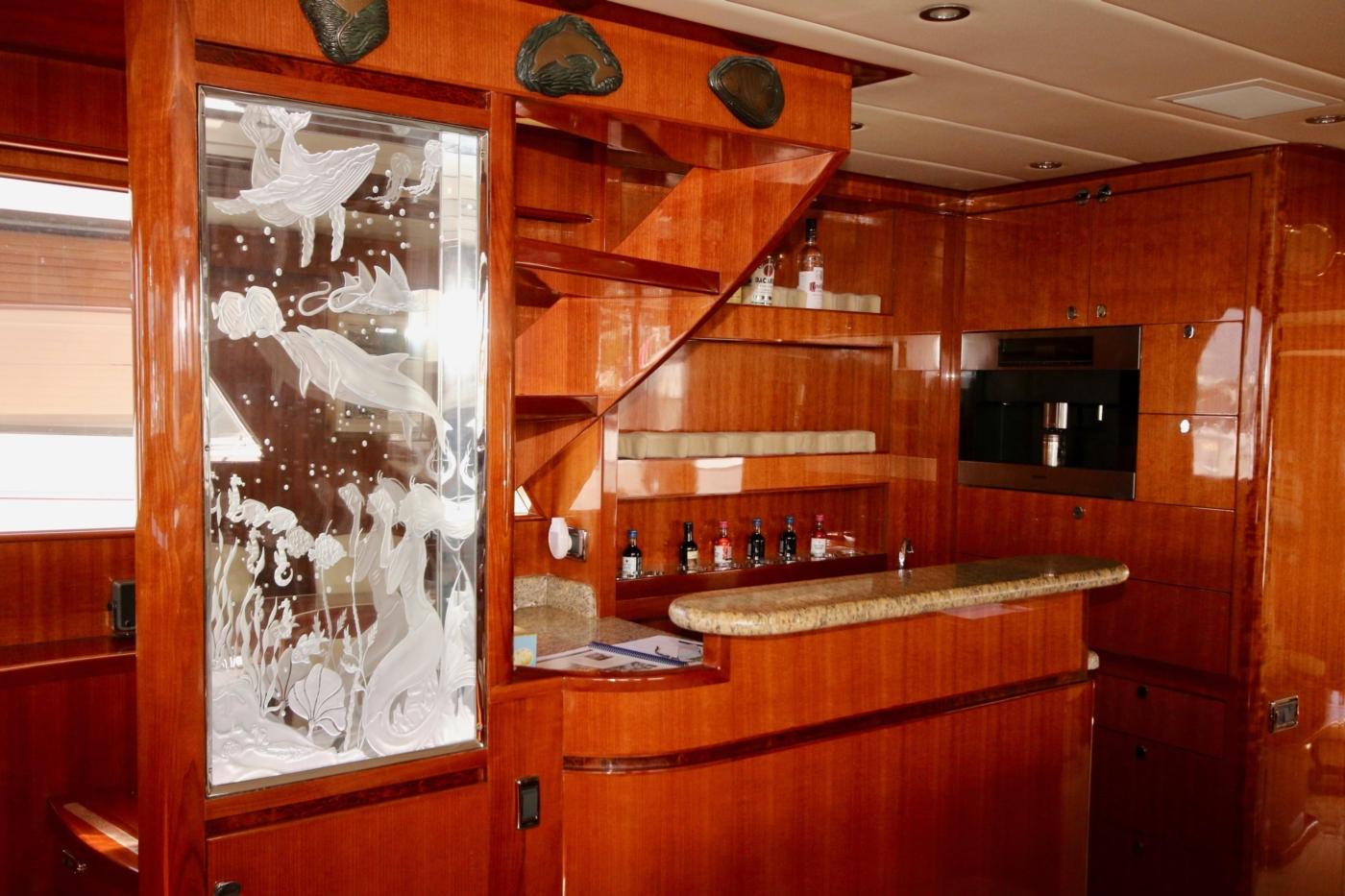 2011 Hampton 75 Endurance LRC, Glass etching