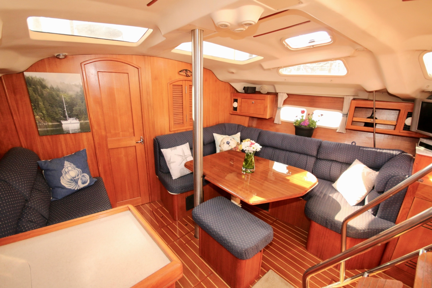 2004 Hunter Passage 420, Salon view forward to starboard