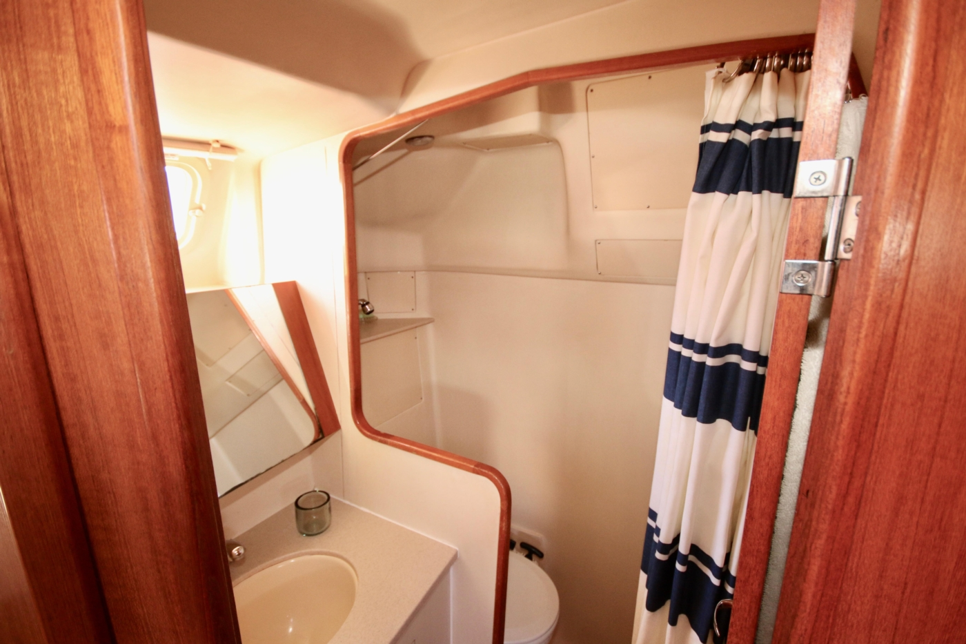 2004 Hunter Passage 420, Master head and shower compartment